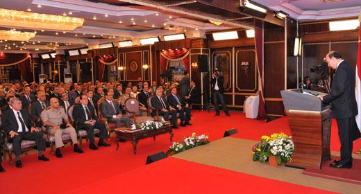 قناة السويس الجديدة قاطرة التنمية والاقتصاد  في مصر . 2014-610