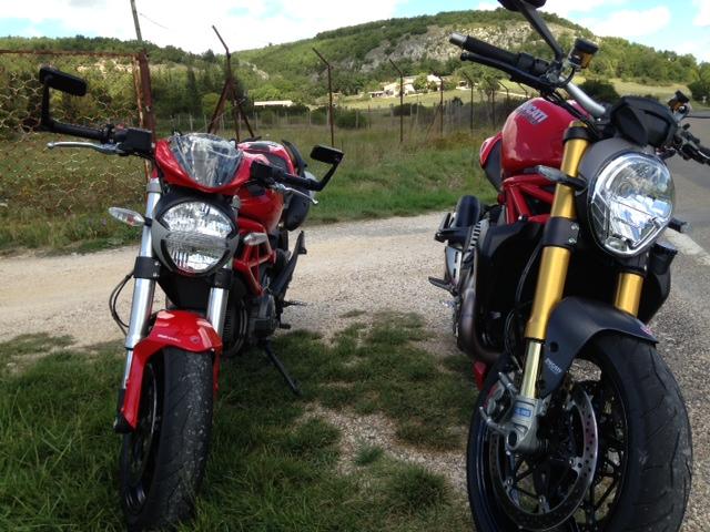 M1200S rouge [ moto volée cette nuit] / Présentation new 1200S Blanche - Page 2 Photo_15