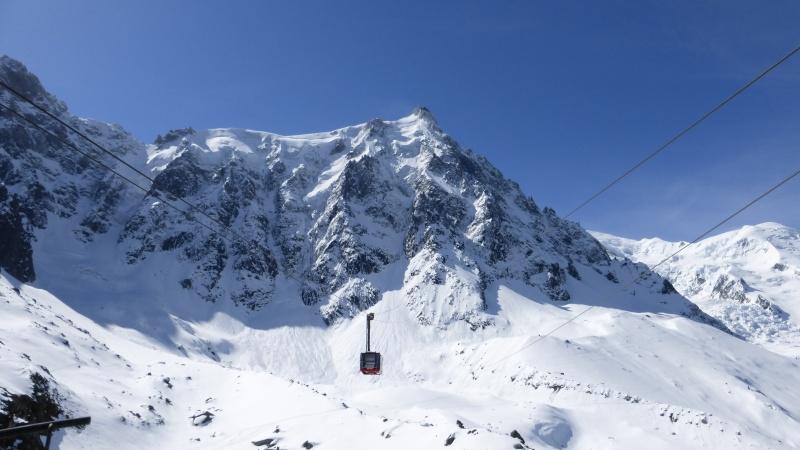 L'Aiguille du Midi, 3842 m - Page 2 P1000210
