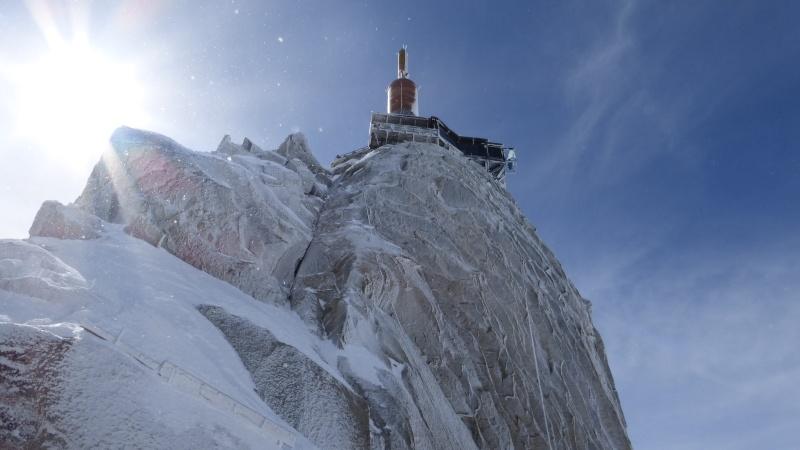 L'Aiguille du Midi, 3842 m - Page 2 P1000213