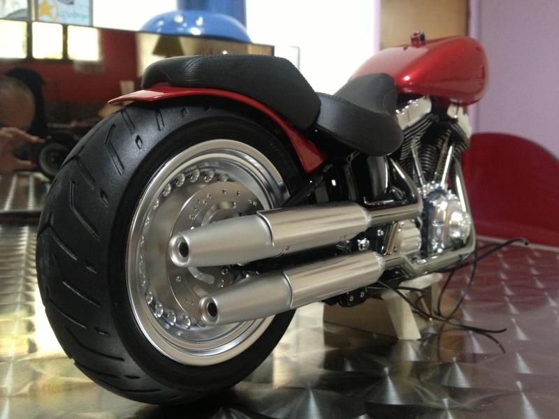 1:6 Harley Davidson Fat Boy Lo (2) 00416