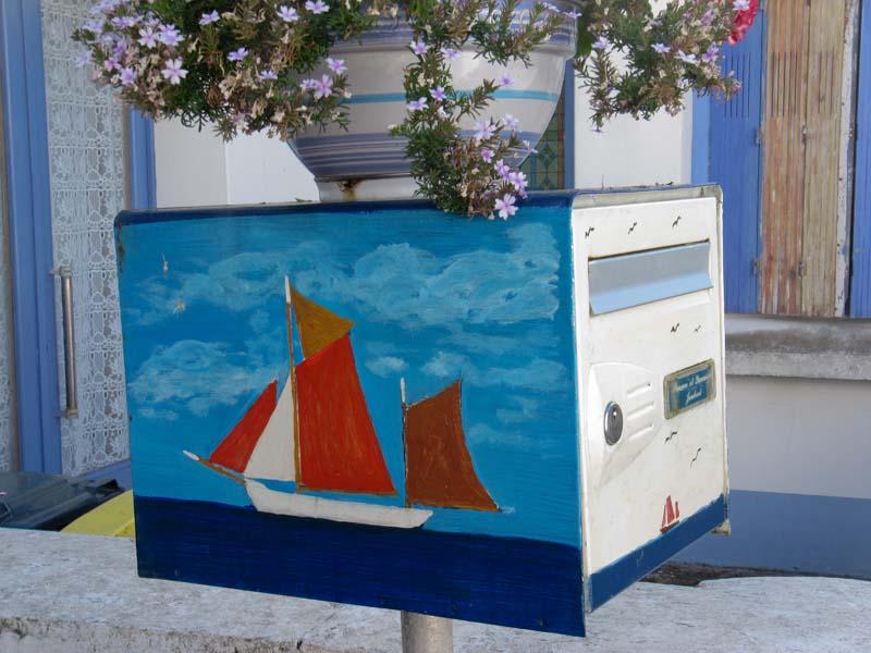 De charmantes boites aux lettres Locmar10
