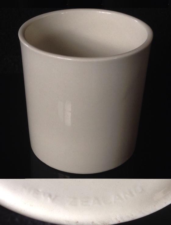 A Crown Lynn Bathroom Tumbler & Pen Pot Shape 3621 Nakedp10
