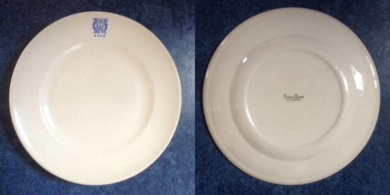808/10 Navy Plate Vitrified is a 4646 Navy10