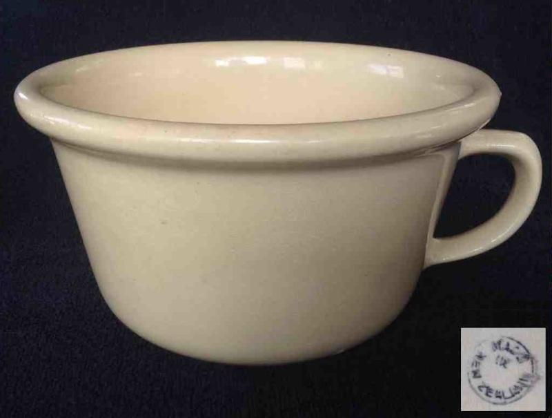 Small straw coloured Ambrico Potty, Chamber Pot Potty10