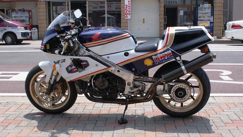 Honda RC 30 - Page 6 Rc30ro11