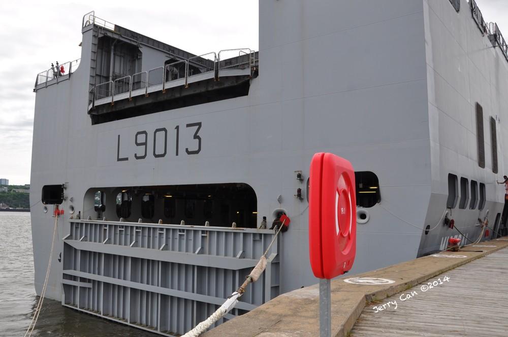 Le BPC Mistral, de la marine nationale française, en visite à Québec Srb_0653