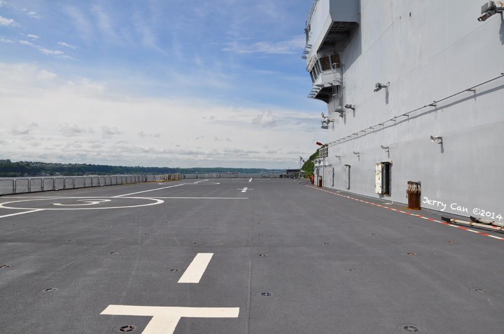 Le BPC Mistral, de la marine nationale française, en visite à Québec Srb_0664
