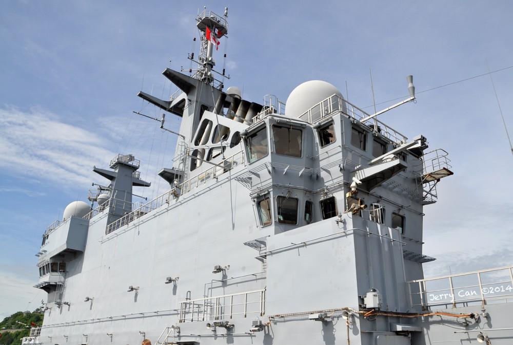 Le BPC Mistral, de la marine nationale française, en visite à Québec Srb_0667
