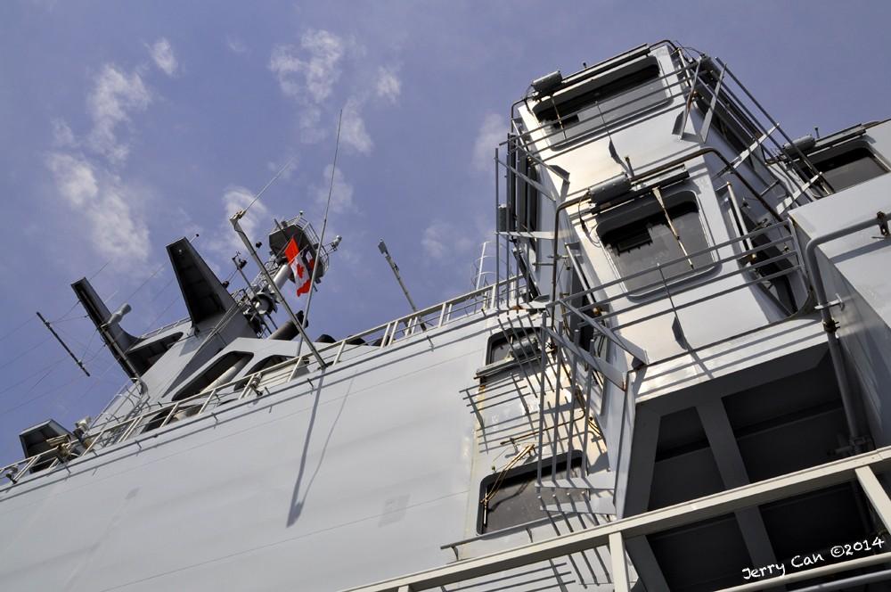 Le BPC Mistral, de la marine nationale française, en visite à Québec Srb_0668