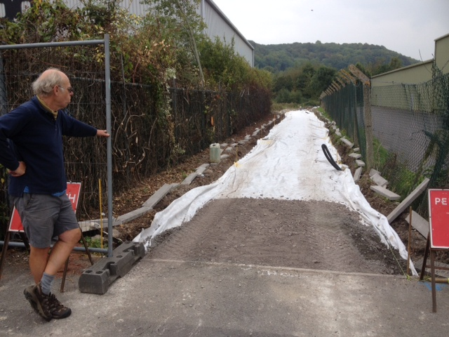 A cycle & walkway Colin10