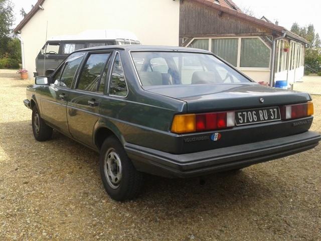 VW Santana  10710610