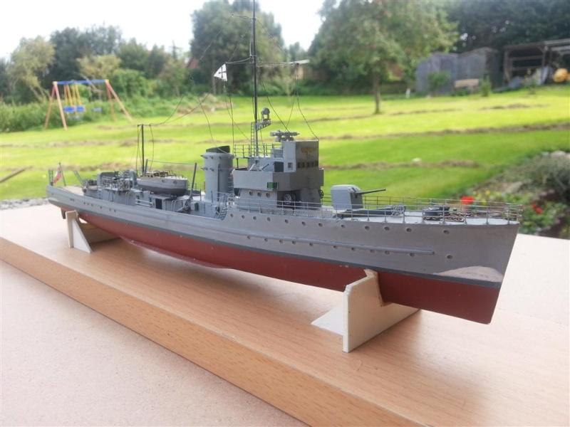 Fertige Schiffe der Kriegsmarine im Maßstab 1:200 20120949