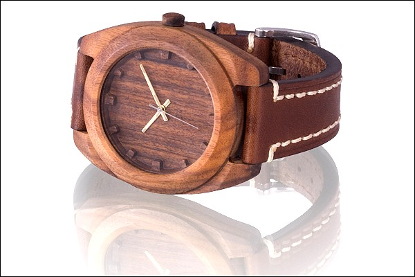 Les montres en bois AA 0005-510