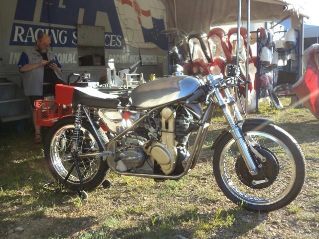 Coupes moto Legende 31 mai - 1er juin Dijon Prenois Dsc08020