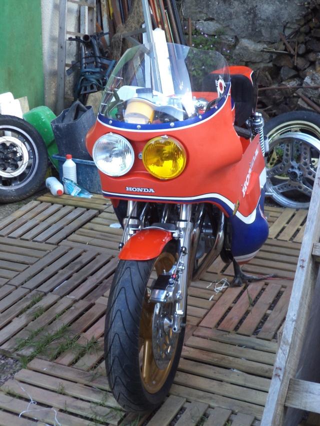 Coupes moto Legende 31 mai - 1er juin Dijon Prenois Dsc08023
