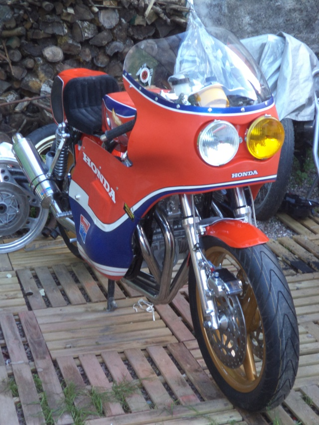 Coupes moto Legende 31 mai - 1er juin Dijon Prenois Dsc08024