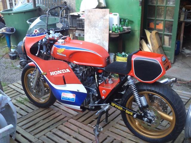 Coupes moto Legende 31 mai - 1er juin Dijon Prenois Dsc08025