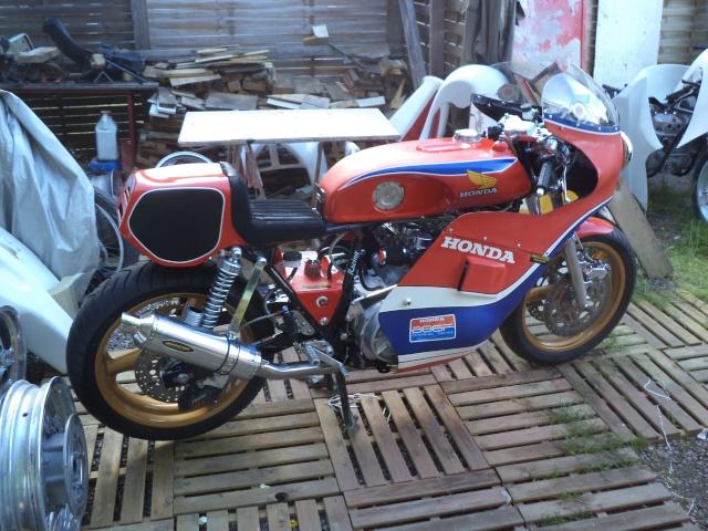Coupes moto Legende 31 mai - 1er juin Dijon Prenois Dsc08026