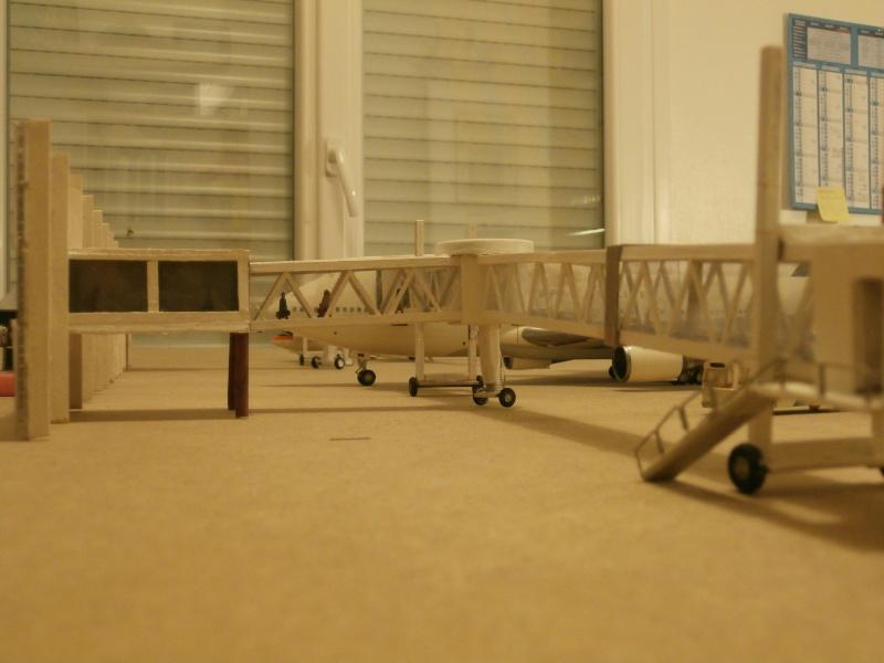 Réalisation de la maquette 1/144 d' un aéroport international (scratch) - Page 2 Term_013