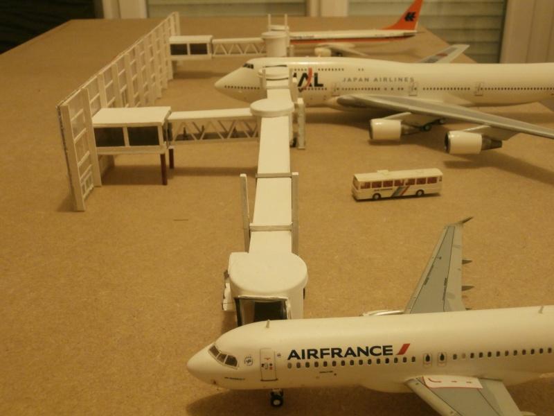Réalisation de la maquette 1/144 d' un aéroport international (scratch) - Page 2 Term_014