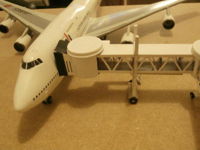 Réalisation de la maquette 1/144 d' un aéroport international (scratch) - Page 2 Term_016