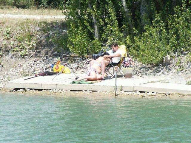 Détendez vous, allez à la pêche......... 10606210