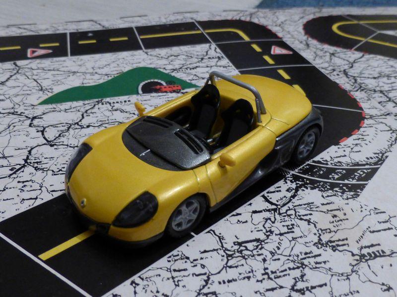 * 01 - Renault ( Les modernes post-1990 )  P1010861