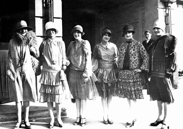 Evolution de la coiffe fouesnantaise 192510