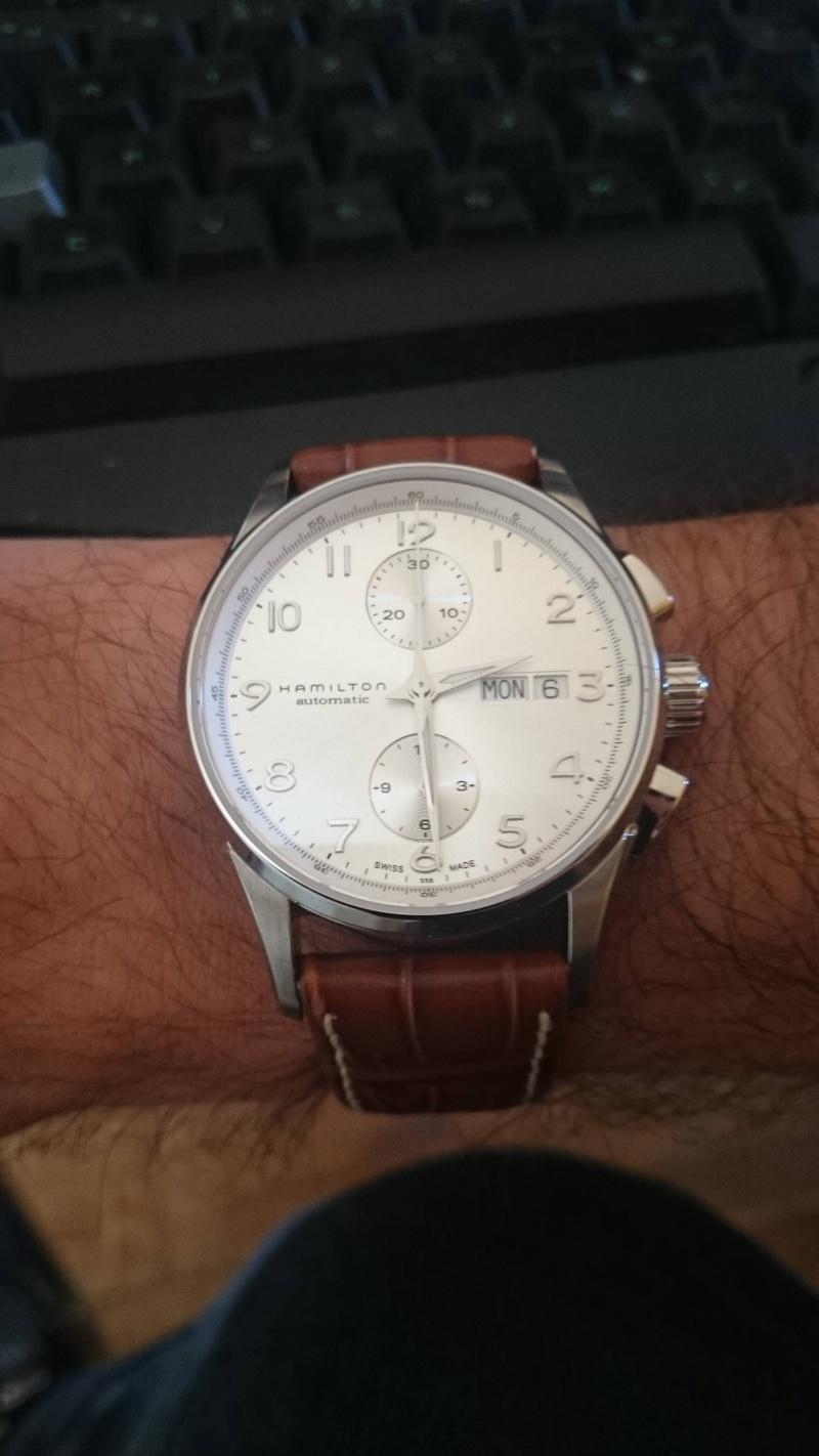 Breitling - J'hésite entre trois montre (oris, breitling,tag heuer) - Page 2 Tn10