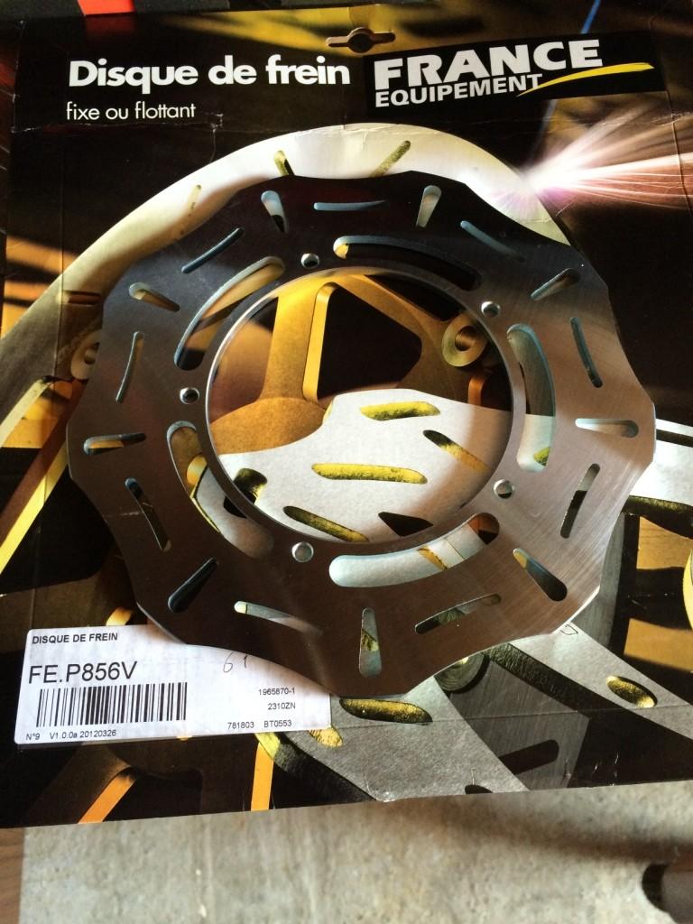 Changement disques avant Piaggio MP3 Img_4721