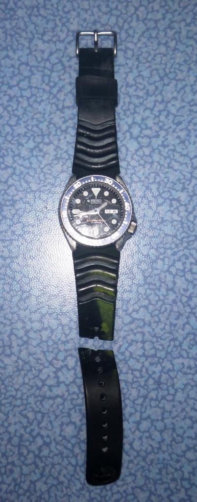 changer le bracelet  des ma SEIKO diver 200  P1030111