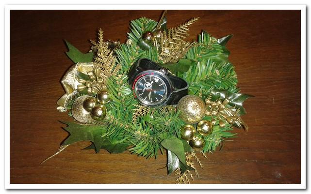 La montre du réveillon de Noël  - Page 2 Noel10