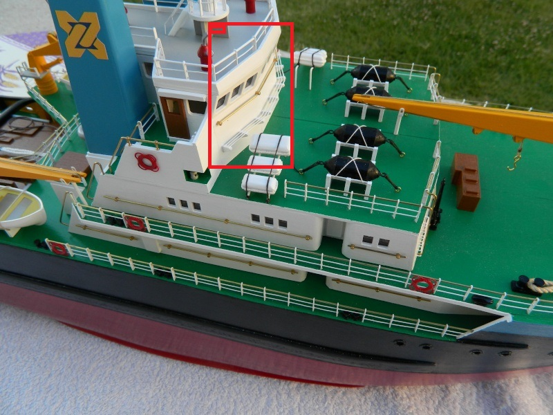 Remorqueur Smit Rotterdam (Billing Boats 1/75°) de Pinuche Dscn1110