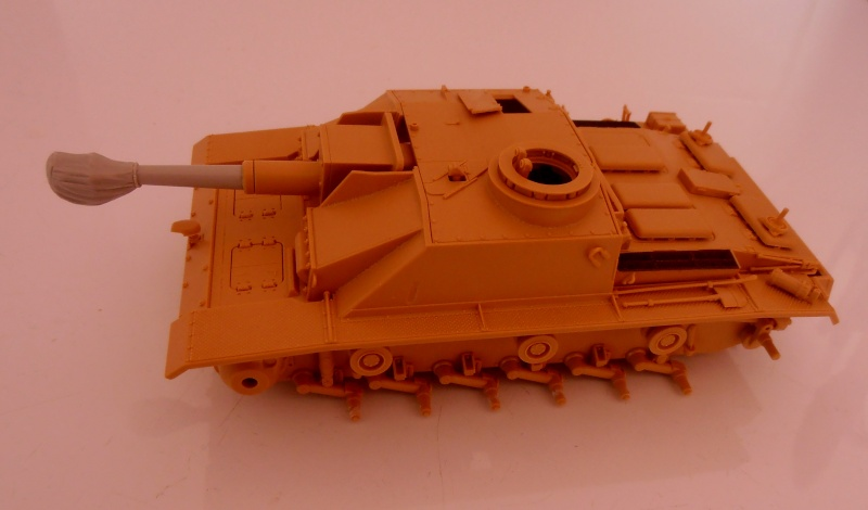 "Stug III ausf G "" 10,5 cm "" ( Tamiya, panzer art 1/35eme ) P9120610"
