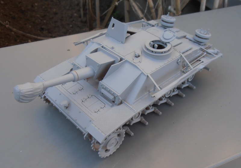 "Stug III ausf G "" 10,5 cm "" ( Tamiya, panzer art 1/35eme ) P9120615"