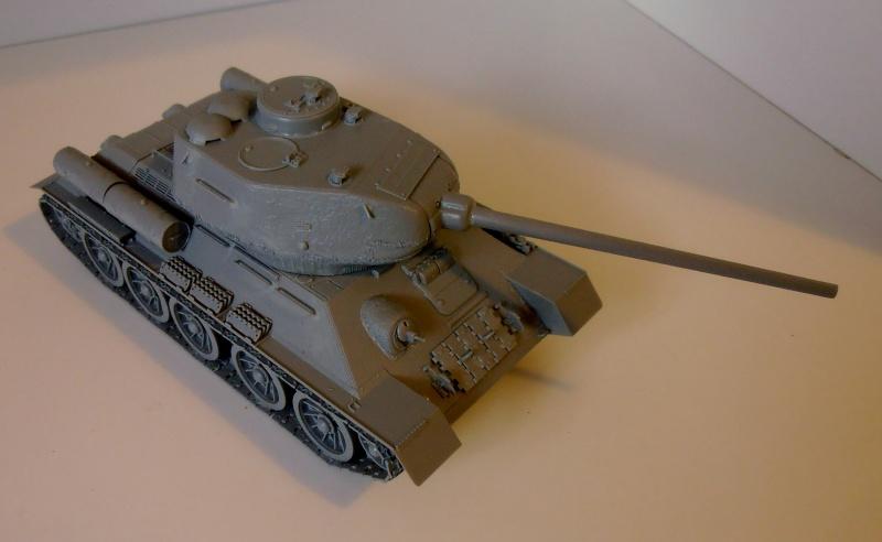 "T 34/85 ""  berlin la fin "" ( dragon 1/35eme et PE ) Pa120212"