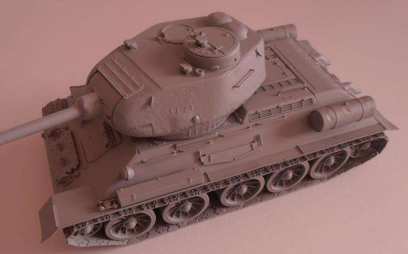 "T 34/85 ""  berlin la fin "" ( dragon 1/35eme et PE ) Pa150211"