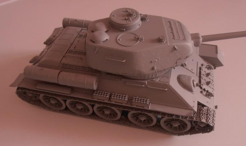 "T 34/85 ""  berlin la fin "" ( dragon 1/35eme et PE ) Pa150213"