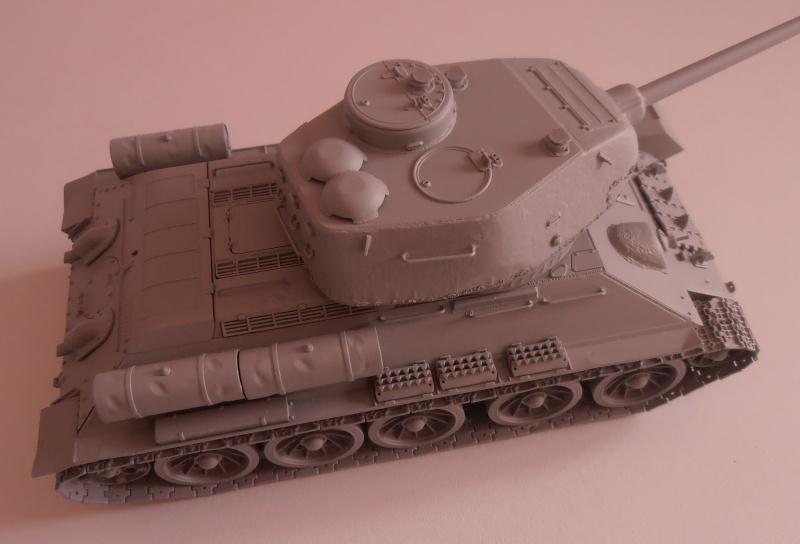 "T 34/85 ""  berlin la fin "" ( dragon 1/35eme et PE ) Pa150214"