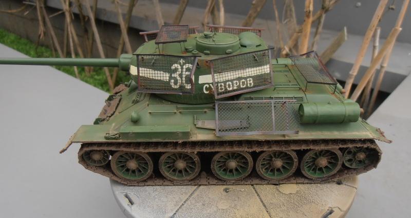"T 34/85 ""  berlin la fin "" ( dragon 1/35eme et PE ) - Page 3 Pc100710"