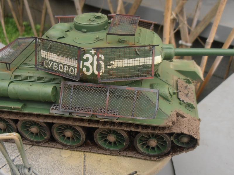 "T 34/85 ""  berlin la fin "" ( dragon 1/35eme et PE ) - Page 3 Pc100713"