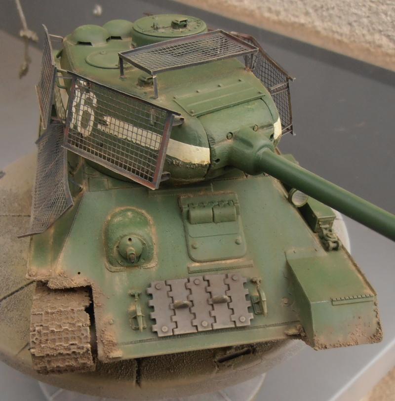 "T 34/85 ""  berlin la fin "" ( dragon 1/35eme et PE ) - Page 3 Pc120712"
