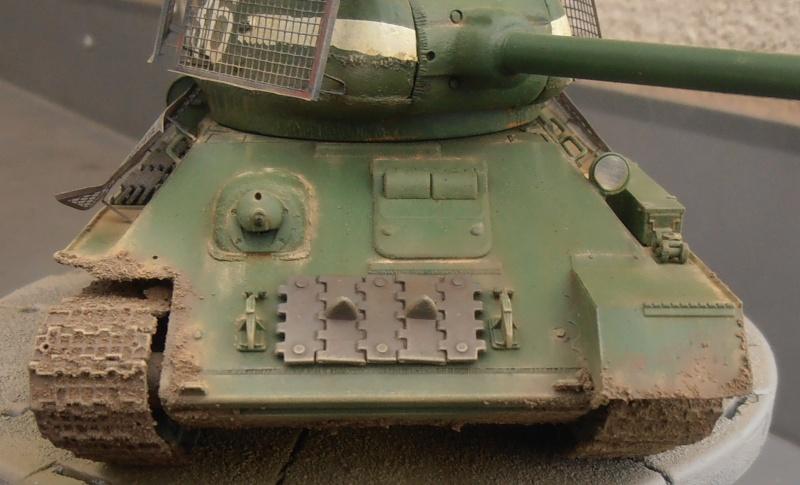 "T 34/85 ""  berlin la fin "" ( dragon 1/35eme et PE ) - Page 3 Pc120713"