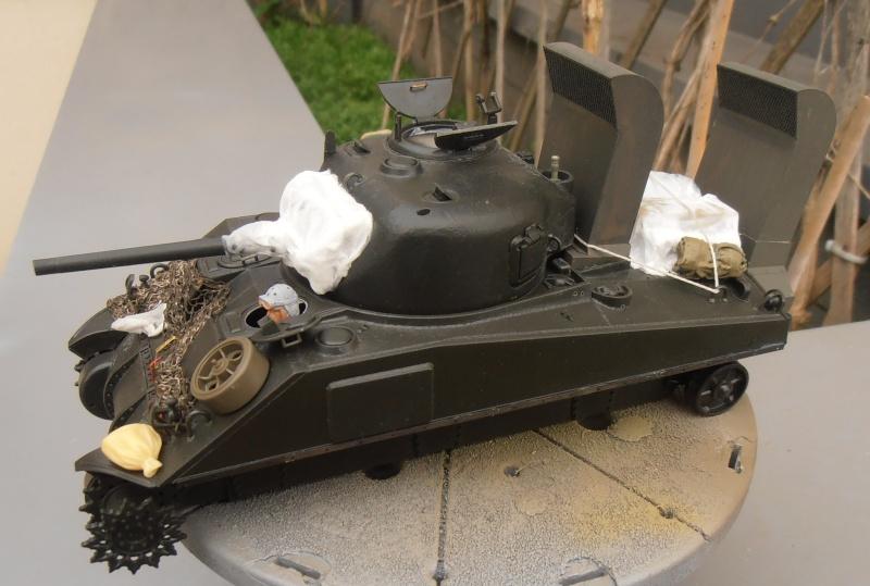 """Sherman M4   """" deep wading """" ( tamiya 1/35eme ) Pc160811"""