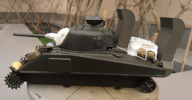 """Sherman M4   """" deep wading """" ( tamiya 1/35eme ) Pc160812"""