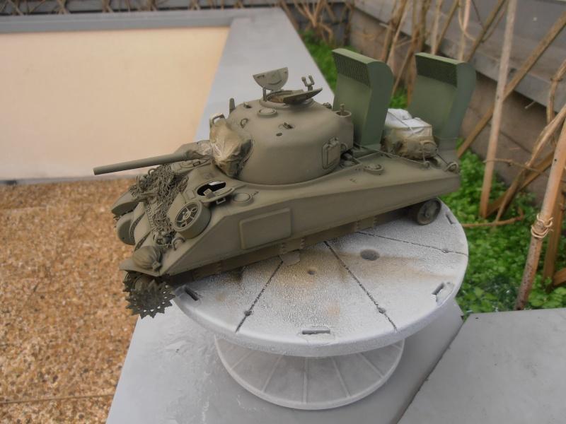 """Sherman M4   """" deep wading """" ( tamiya 1/35eme ) Pc200815"""