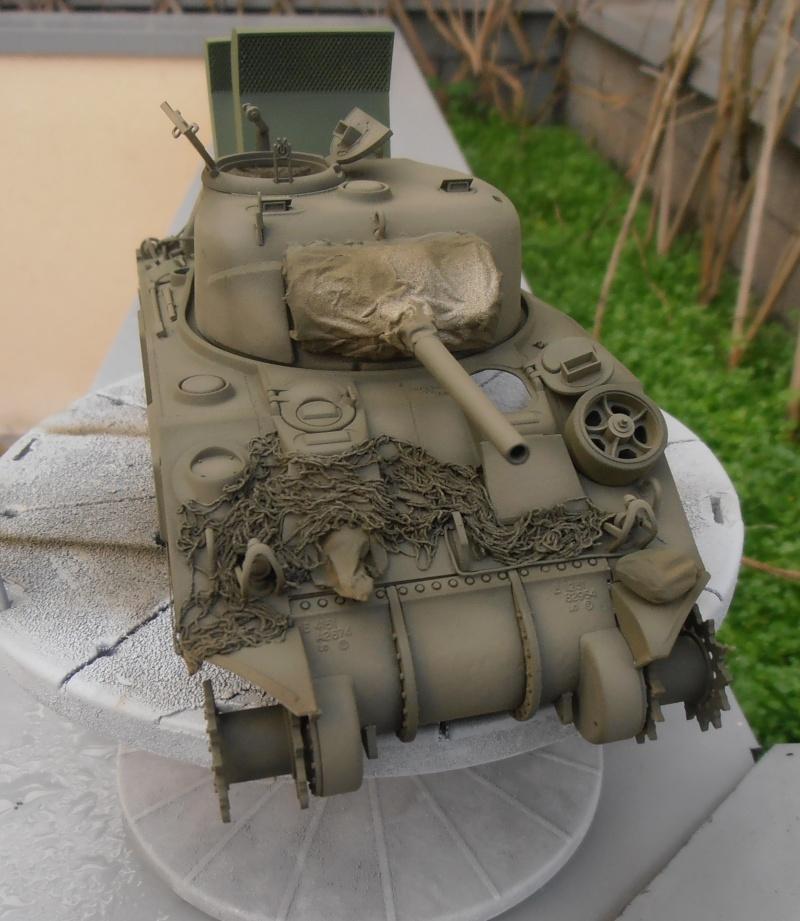 """Sherman M4   """" deep wading """" ( tamiya 1/35eme ) Pc200817"""