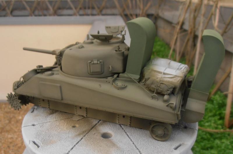 """Sherman M4   """" deep wading """" ( tamiya 1/35eme ) Pc200821"""