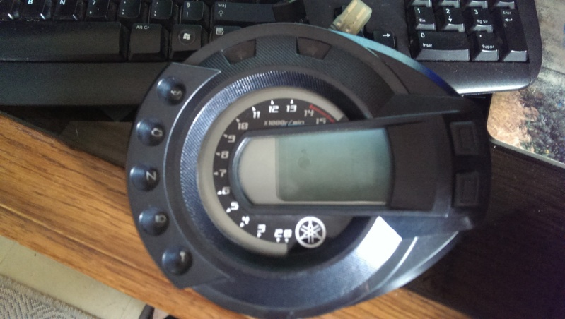 [VENDU] Compteur FZ6 S 24015 KM (2006 donc S1) Imag1510